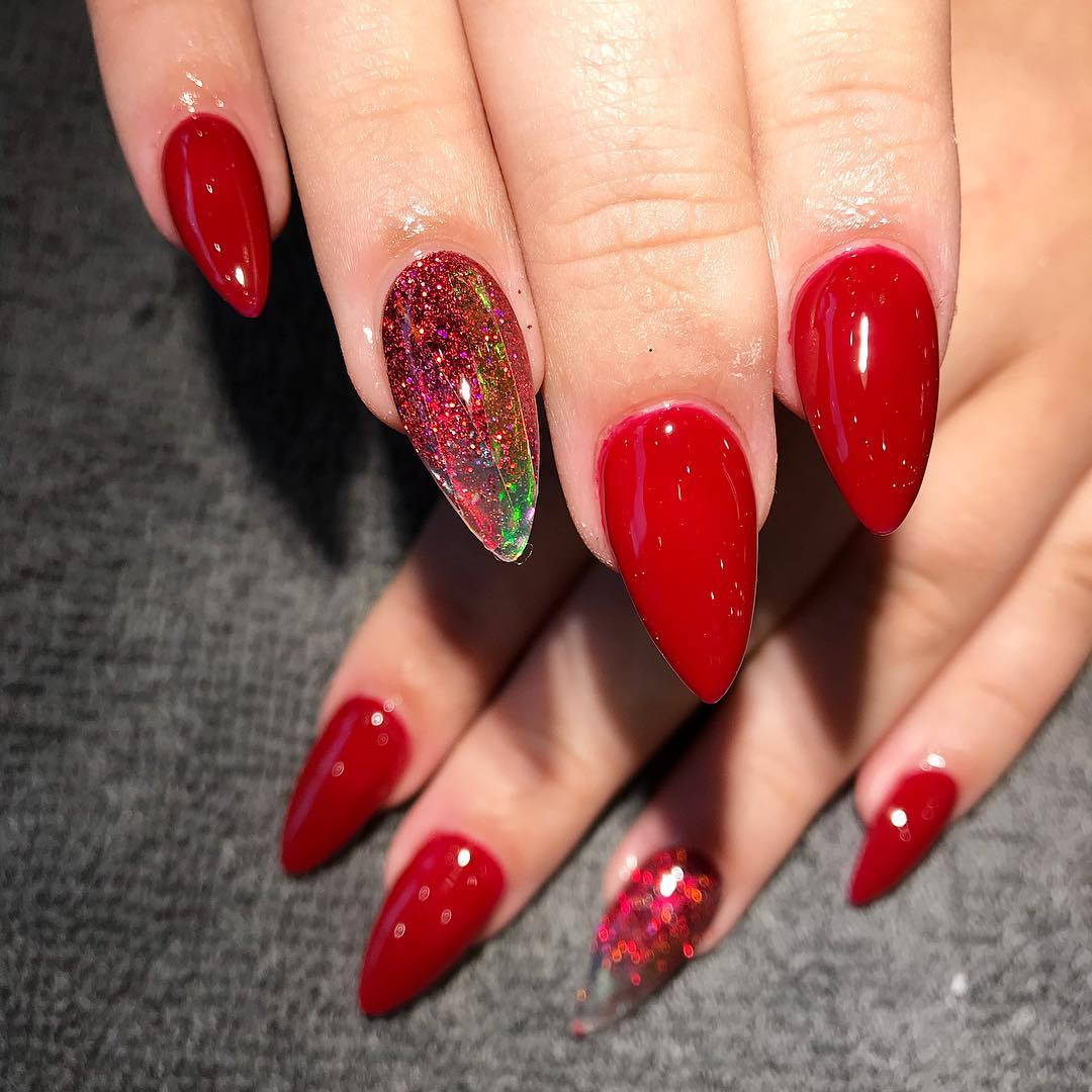 Stiletto nails natalizie rosse