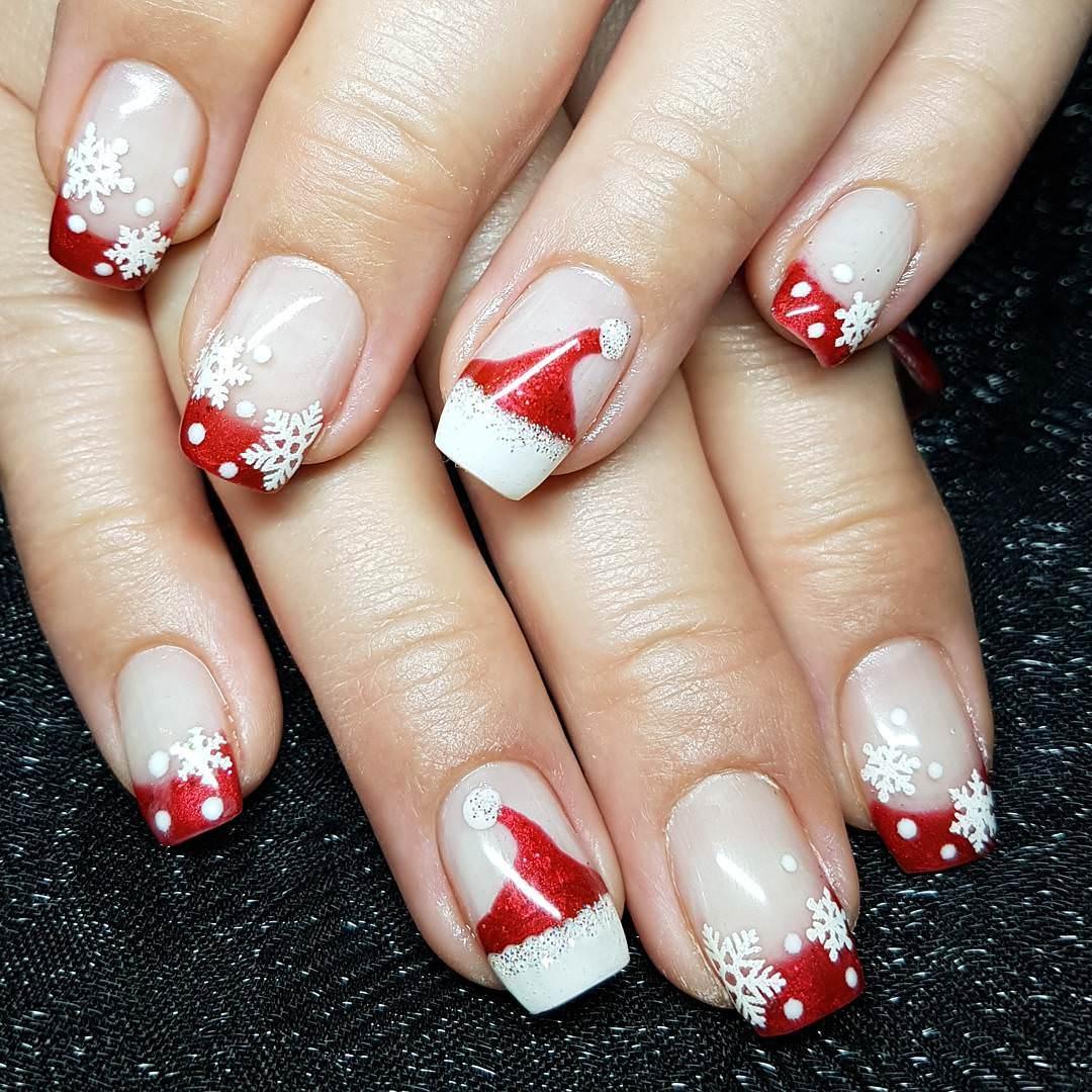 Nail art natalizia rosso nude