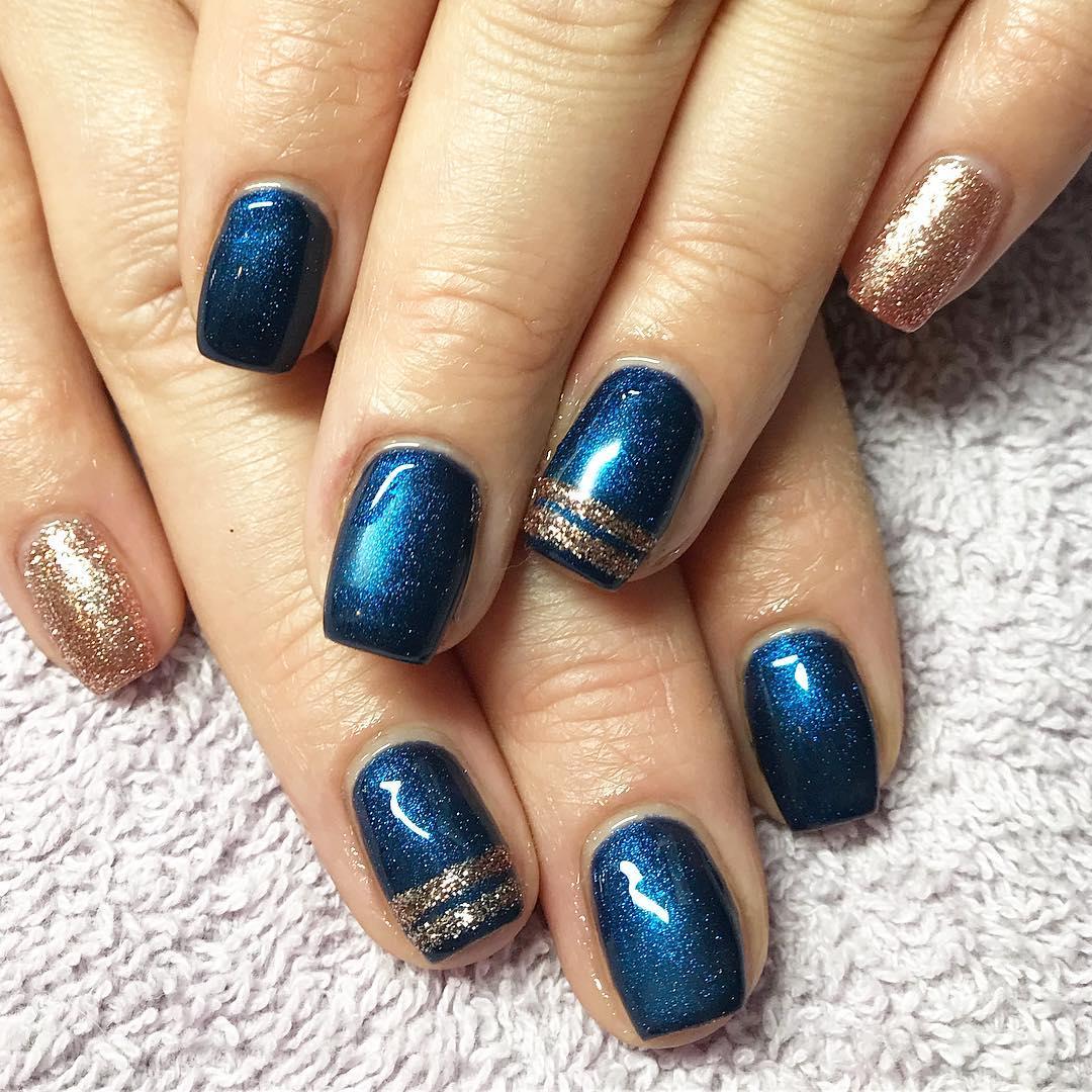 Unghie glitter natalizie blu