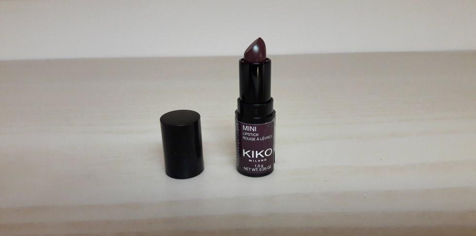 Mini lipstick violet noir kiko