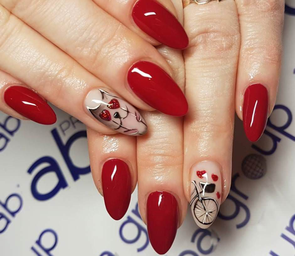 San Valentino nail art unghie rosse gel a mandorla