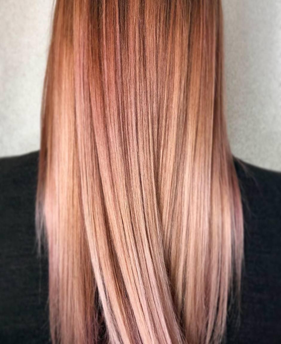 Capelli biondi con Balayage rosa gold