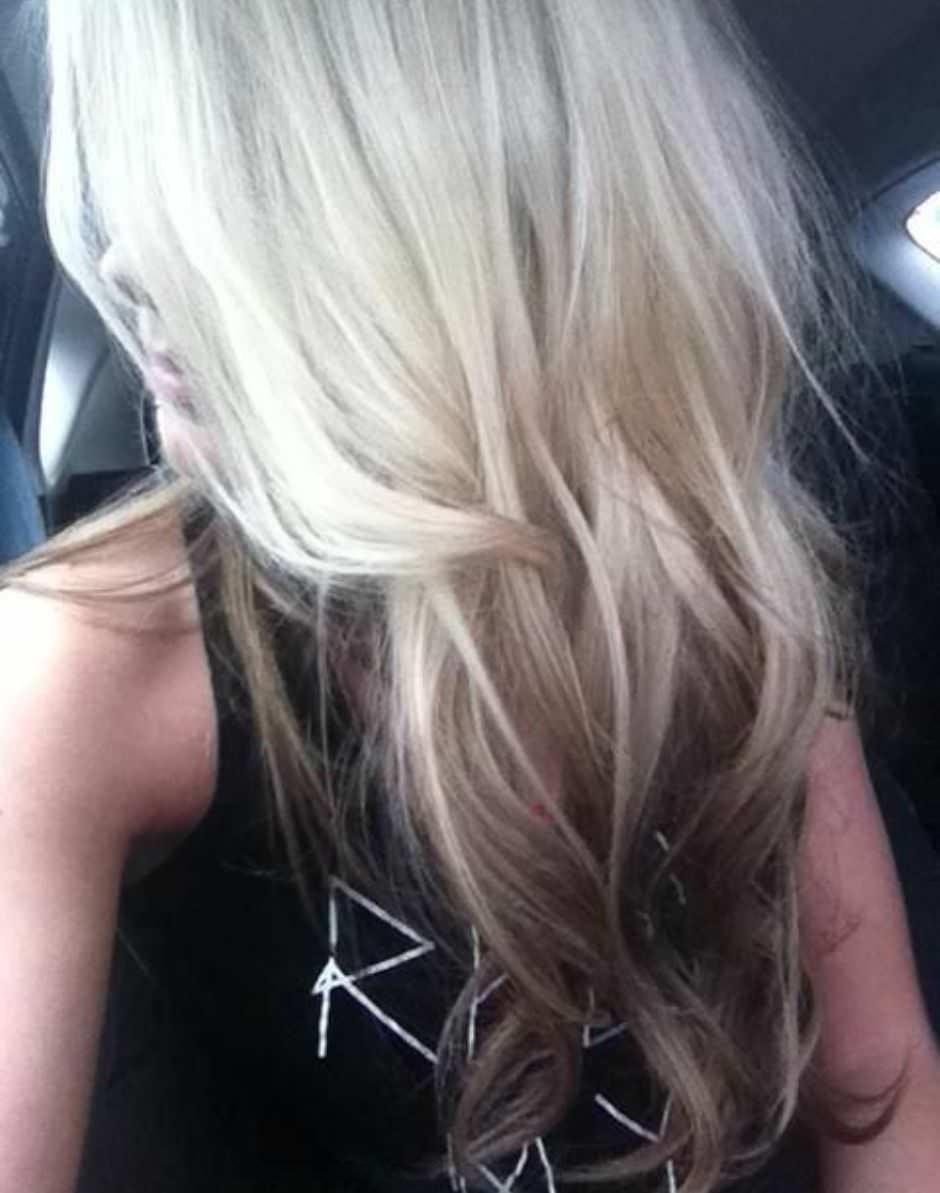 Tendenza capelli 2018 Reverse Balayage su capelli biondi
