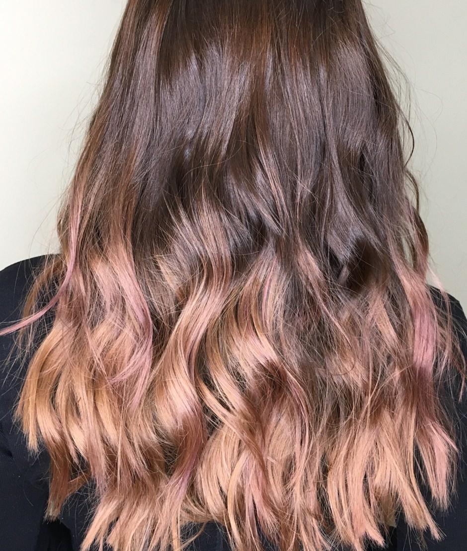 Capelli castani Balayage oro rosa