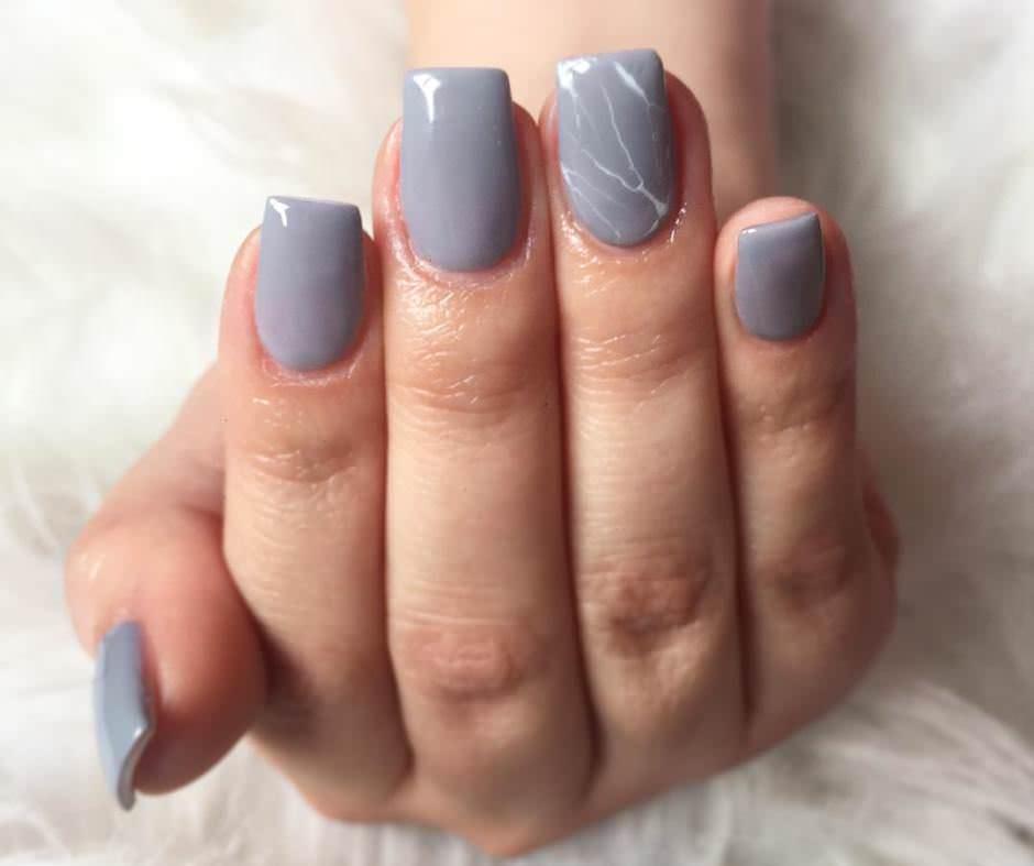 Unghie effetto marmo grigie
