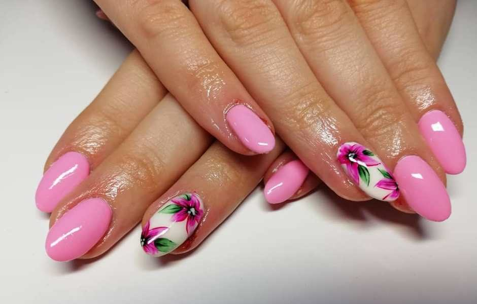 Flower Nails tendenza unghie Primavera 2018