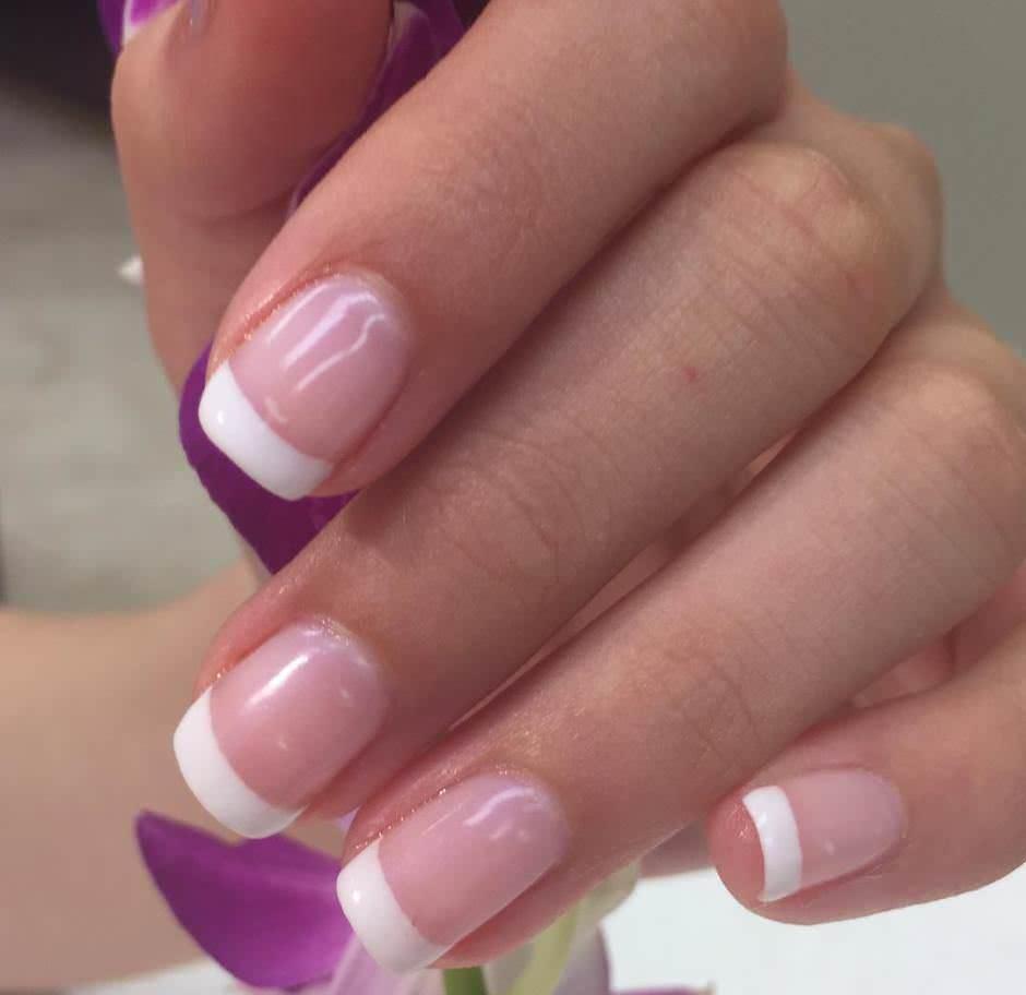 Unghie sposa naturali french manicure