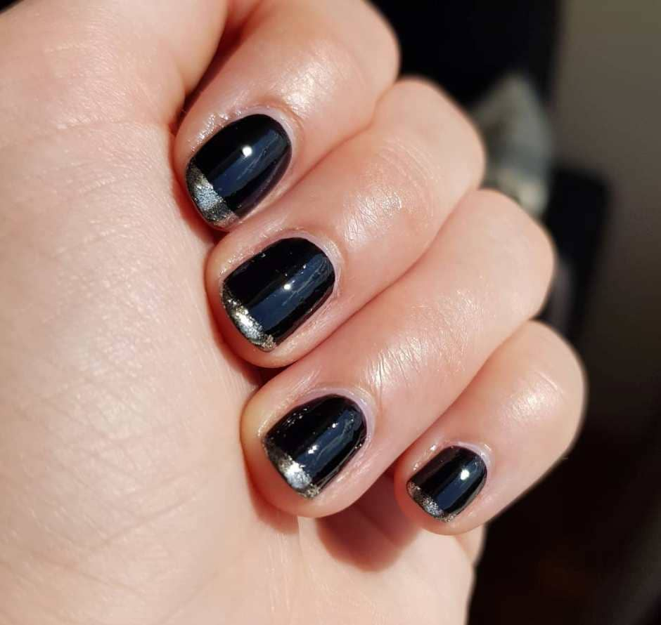 French reverse manicure unghie Autunno 2018