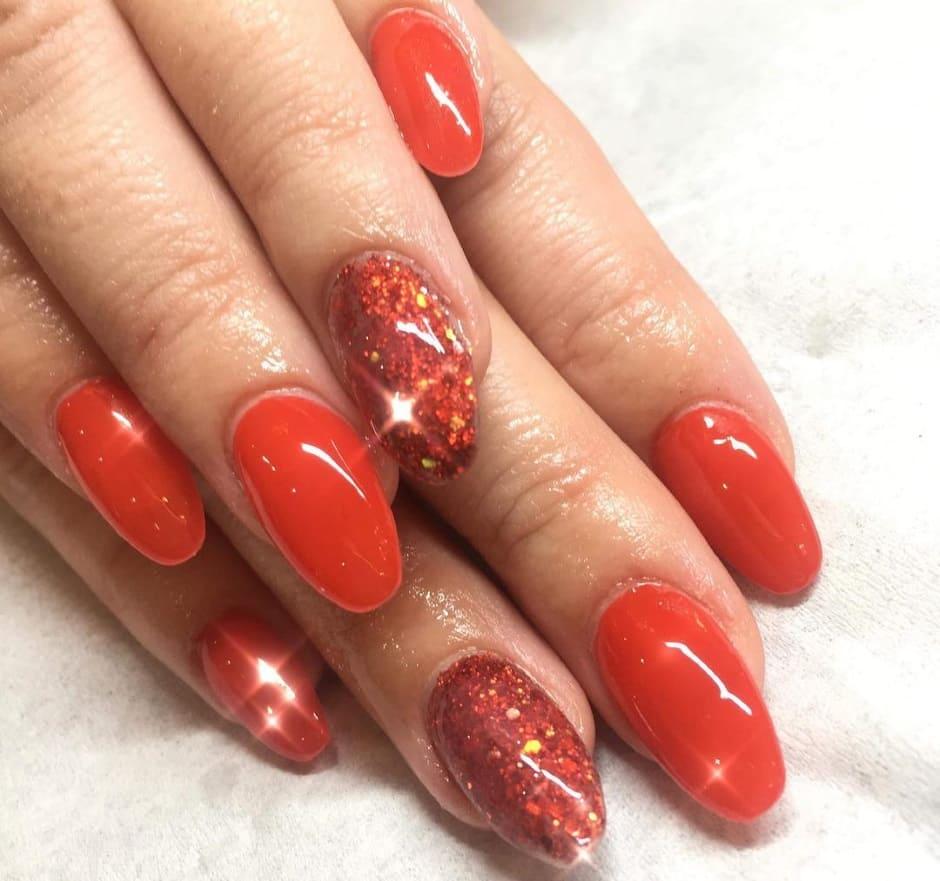 Glitter nail art natalizia 2018 unghie gel rosse