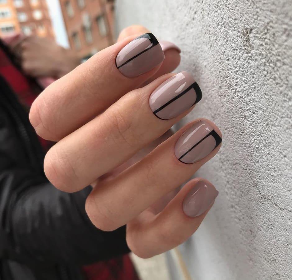 Inverno 2018 2019 unghie nail art geometriche nero e nude
