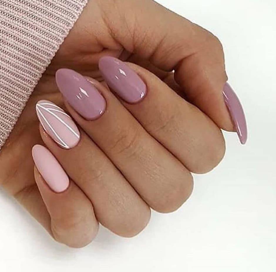 Unghie geometriche nail art Inverno 2019 rosa nude