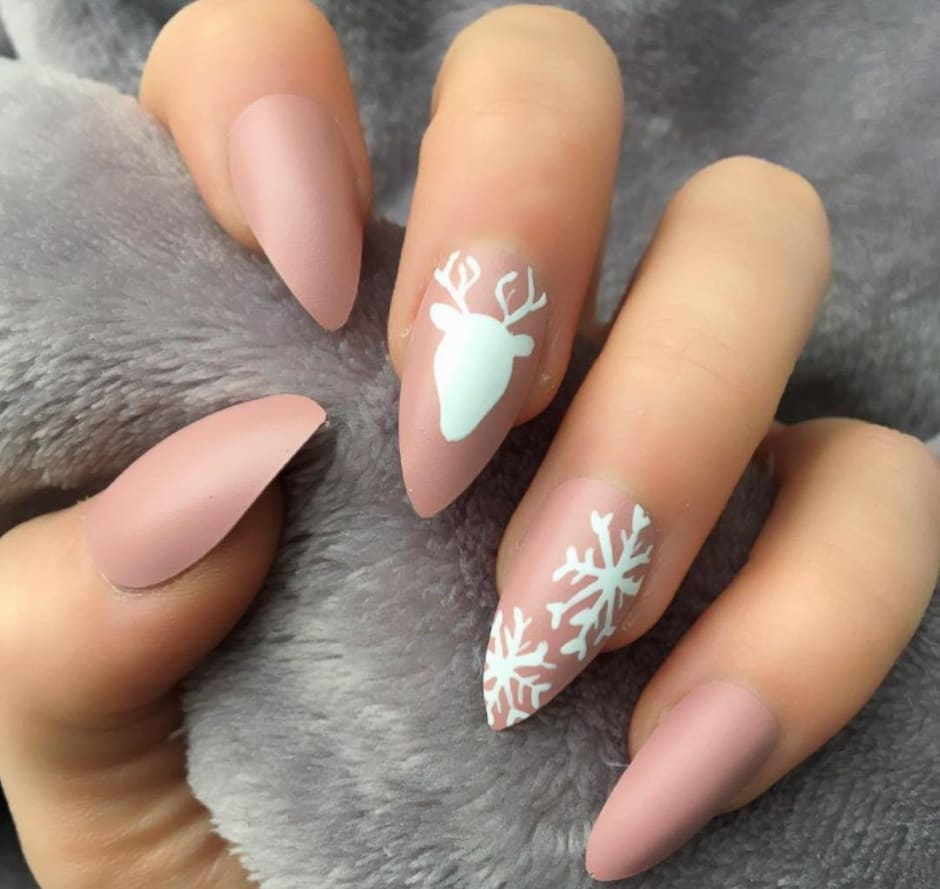 Nail art Natale 2018 unghie nude
