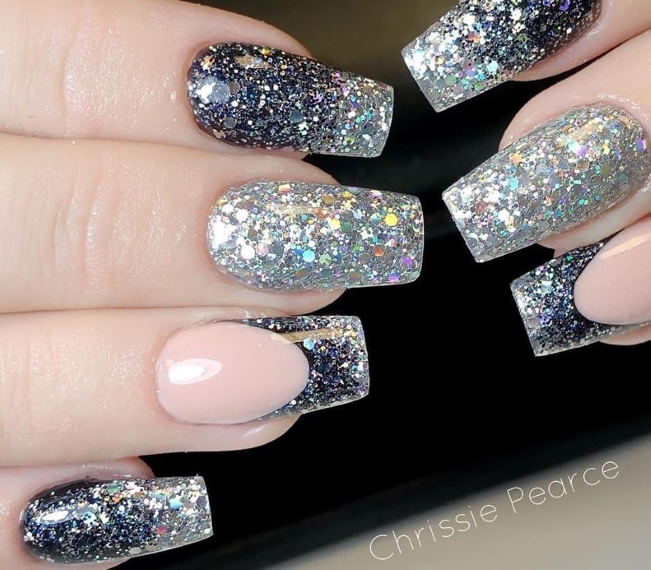 Unghie Capodanno 2019 argento glitter