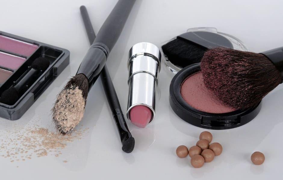 Make-up anti età: come realizzare un trucco che non invecchia