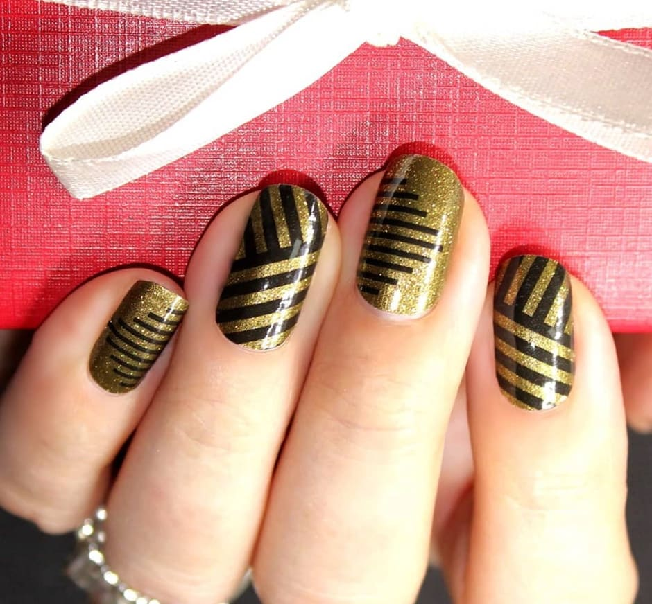 Nail art grafiche unghie Natale 2019