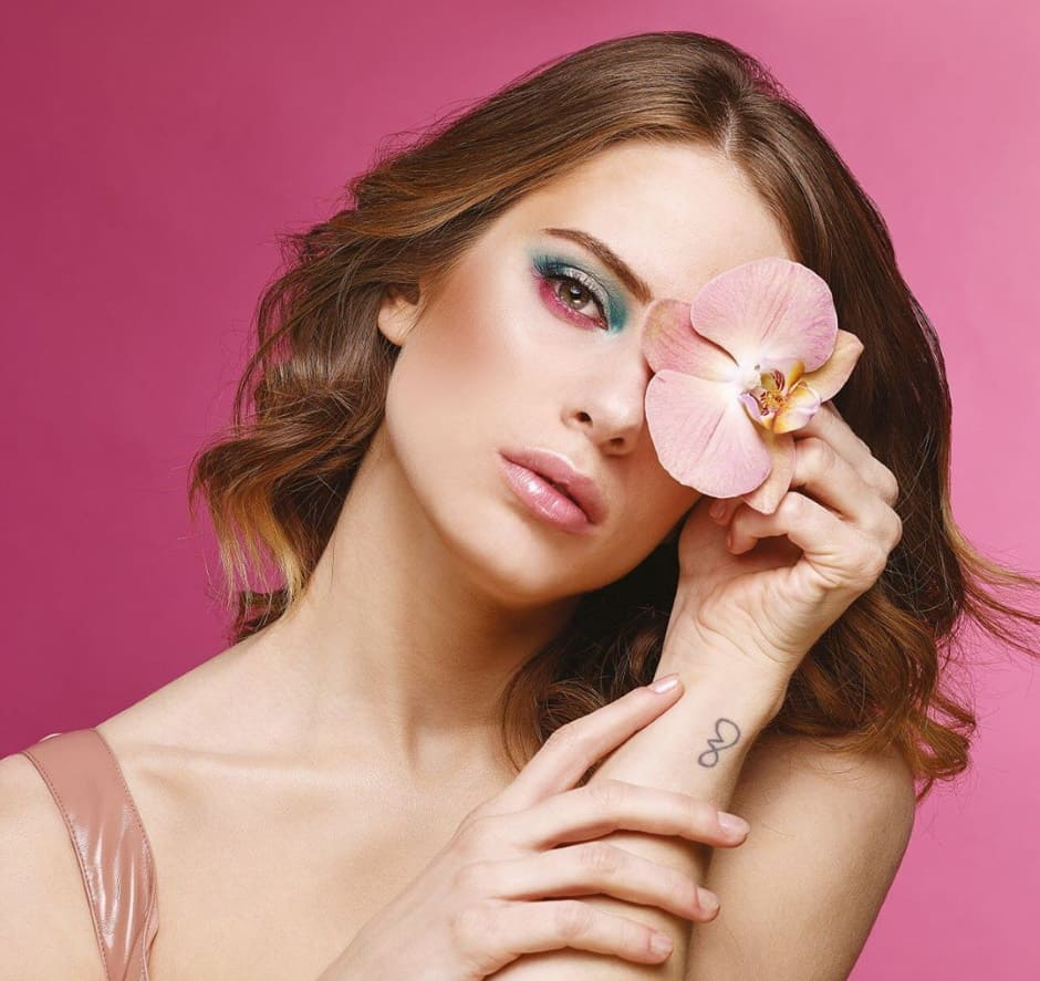 Eden Escape Astra Make-Up