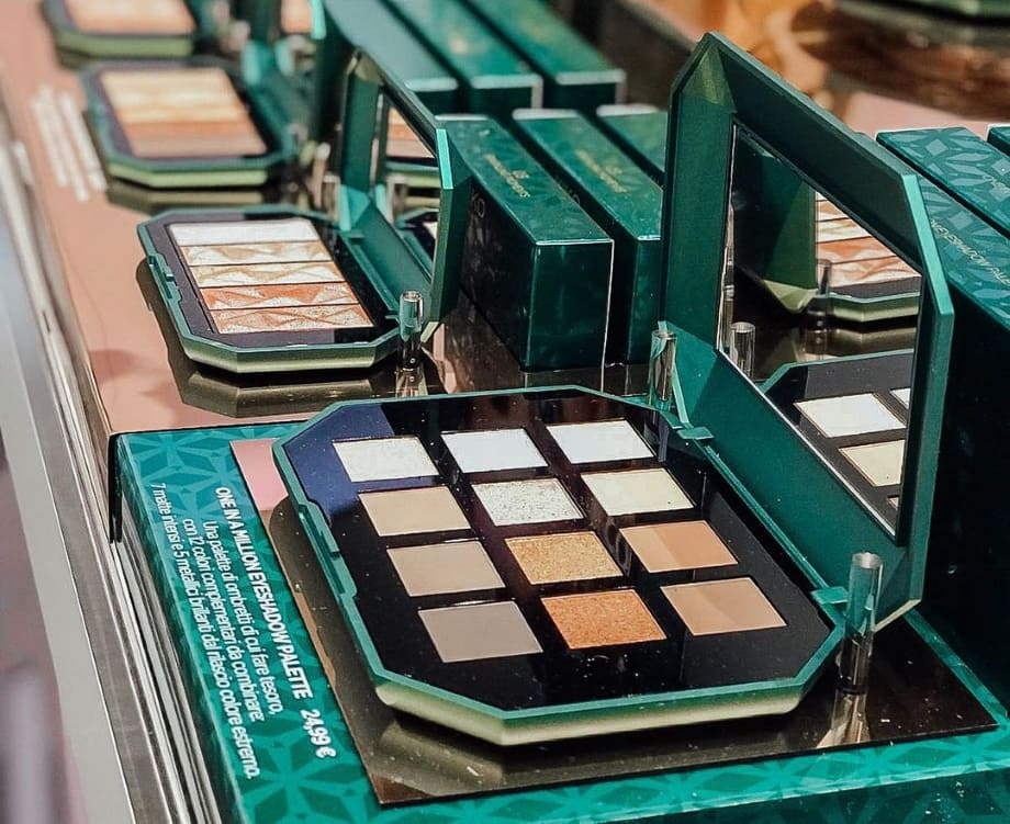 One in a Million palette Kiko Holiday Gems