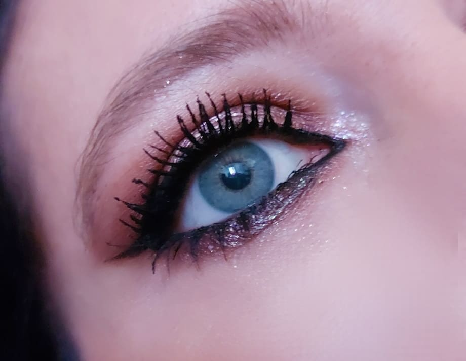 Make-up luminoso occhi azzurri